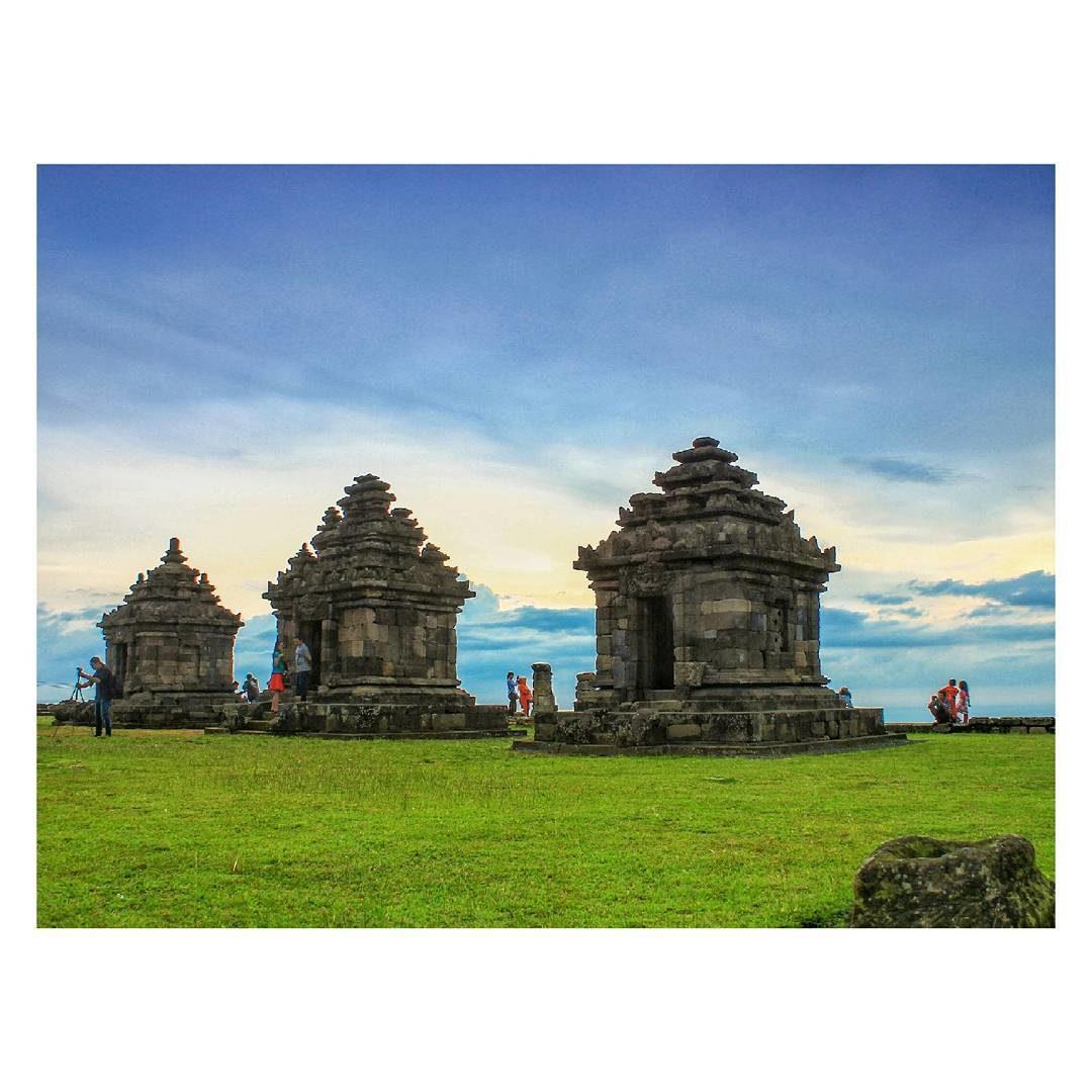 Berkeliling Di Komplek Candi Ijo Sleman Yogyakarta