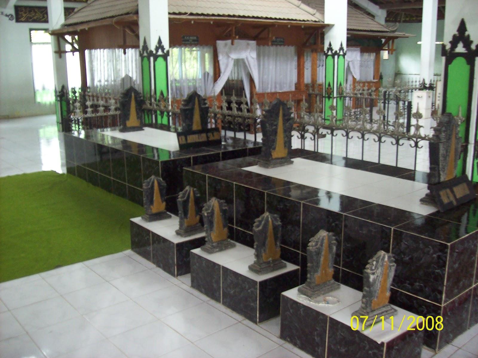 Makam Gunung Pring