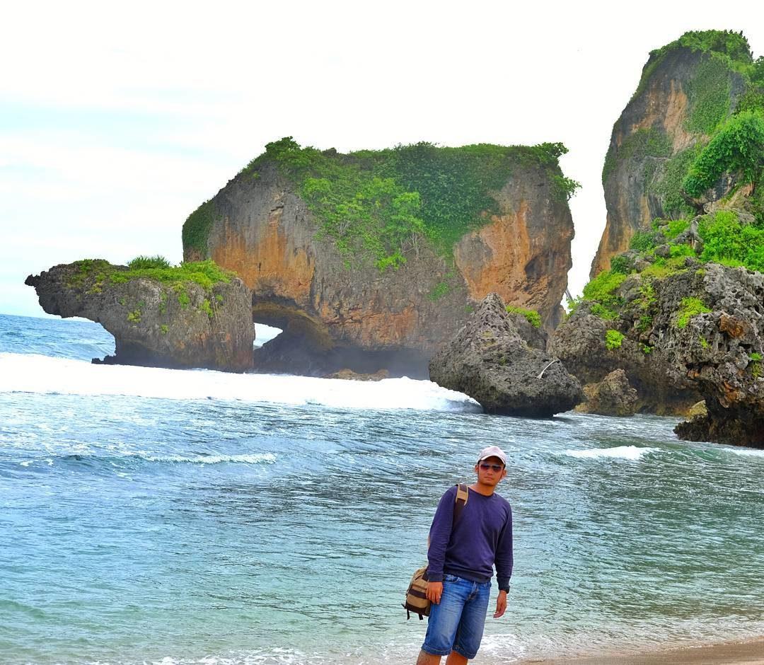 Pantai Siung Pantai Gunung Kidul Yang Memikat Hati