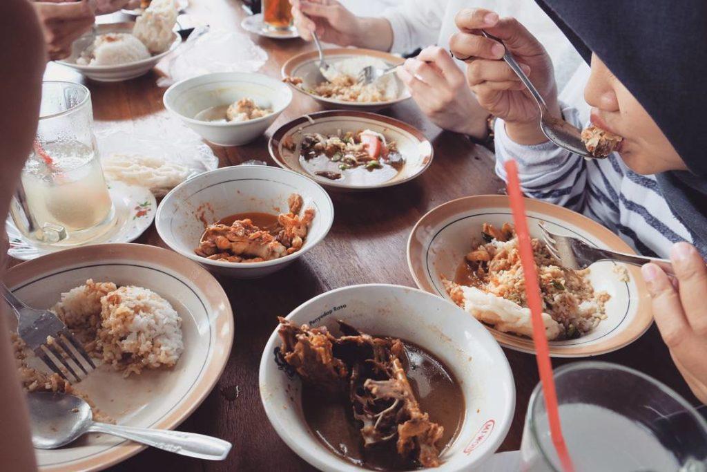 Tongseng Ayam Moro Seneng